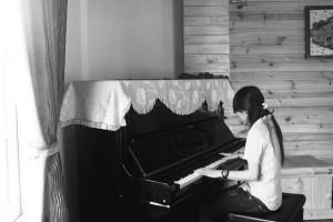 HOC DAN PIANO TAI NHA