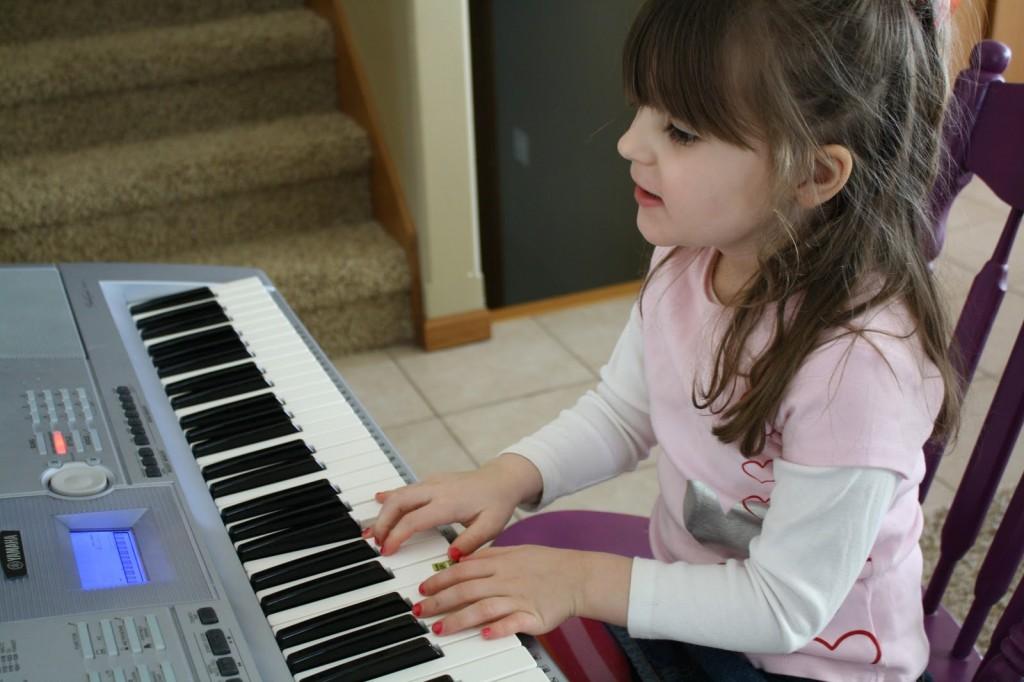 Độ tuổi tốt nhất để cho bé học đàn Piano