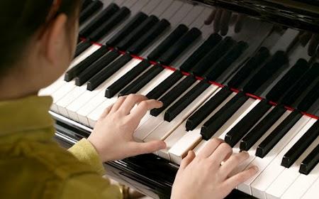 Liên hệ tìm gia sư Piano tại Quận 7