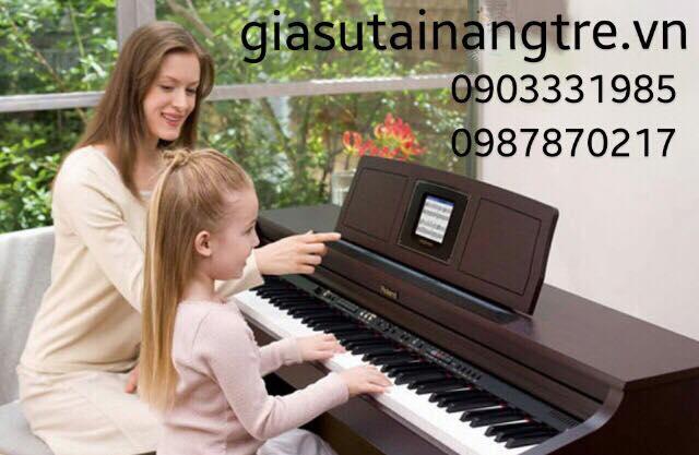 Hướng dẫn cách đánh đàn Piano điện tại nhà cho bé