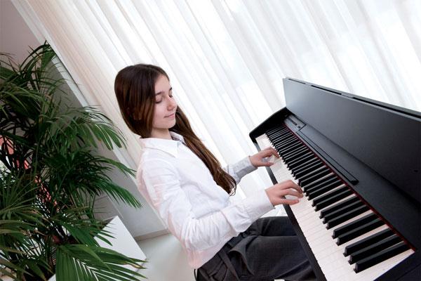 Những lý do mà bạn nên mua đàn Piano điện để học